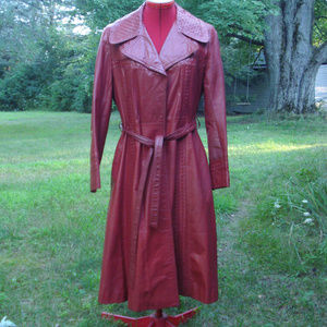 VTG Leather dark red coat Fitted Long